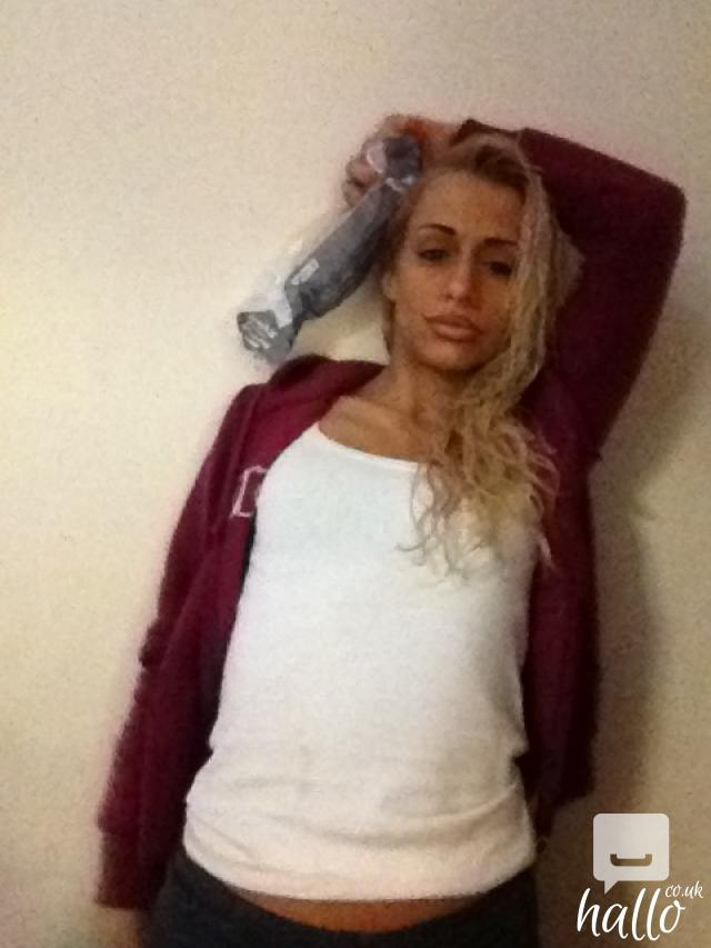 True blonde offering escort and massage services. | East Ham | Greater London | Hallo