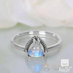 Moonstone Ring Trinity Drop