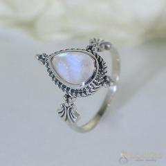 Moonstone Ring Flawless Chevron-GSJ