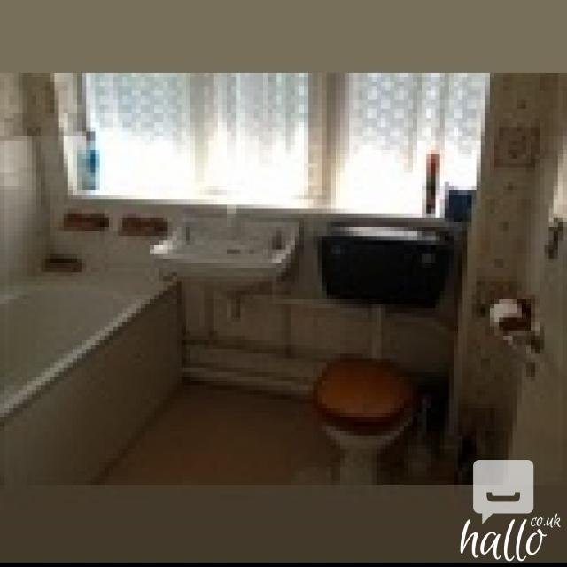 A LARGE DOUBLE ROOM FOR ONE PERSON FULLY LICENCED 9 Image
