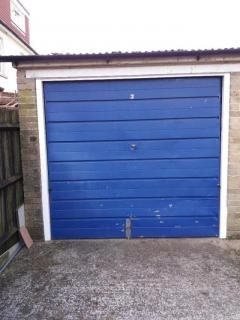 Garage To Rent In Se25 - Available From 1St Apri