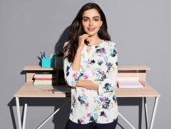 How to Get Women UK Tops At Any Age?