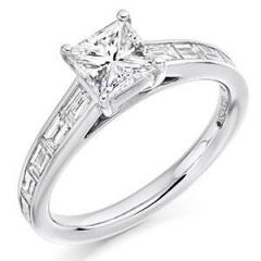 Browse Our Wide Range Of Side Stone Engagement R