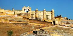 Discover The Glorious Forts All Over India With