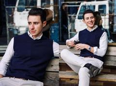 Citizen Cashmere V-Neck Sleeveless Sweater for Men