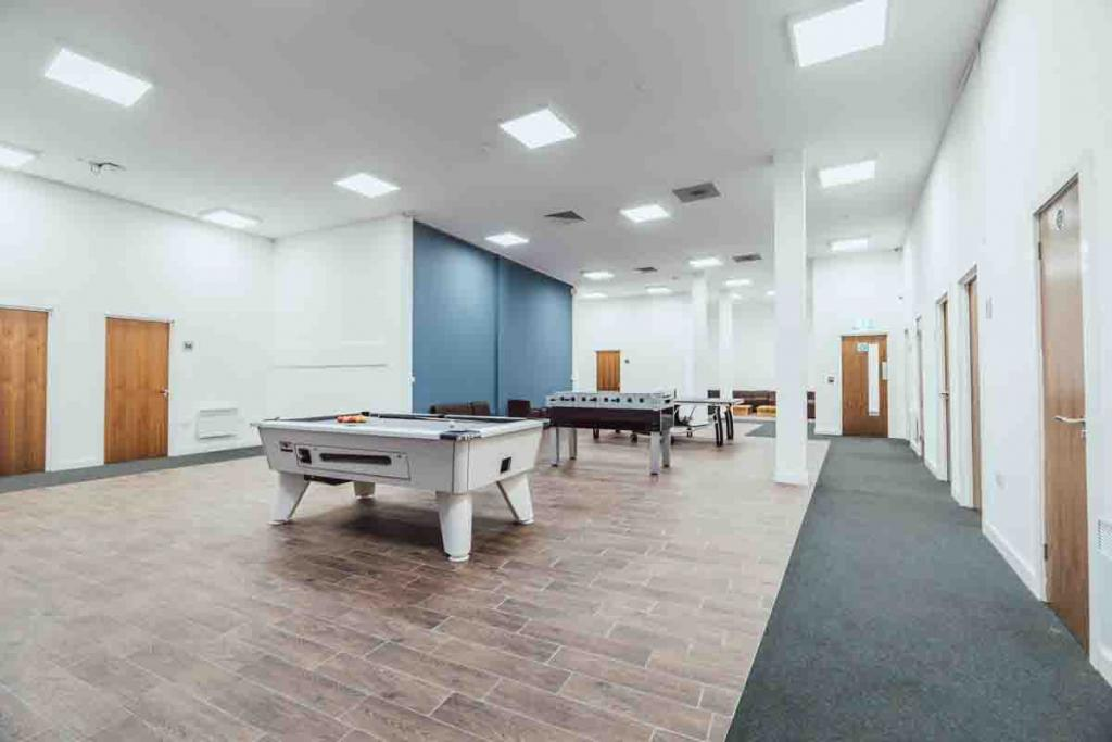 Find Perfect Fully Furnished Lomax Halls House in Stoke on Trent 7 Image