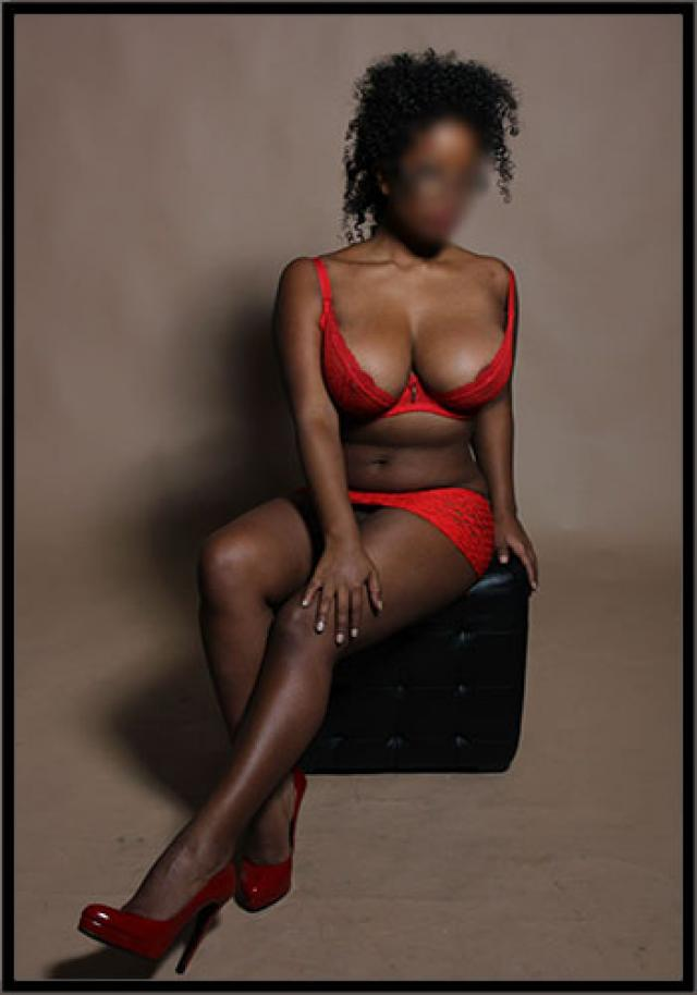Venere sexy curvy lady in London for outcall only 100 5 Image