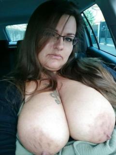 Horny Mom Want Oral Hookup