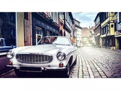 Pawning luxury cars is better than selling them. Unbolt