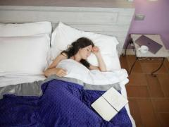 Weighted Blanket To Alleviate Anxiety And Stress