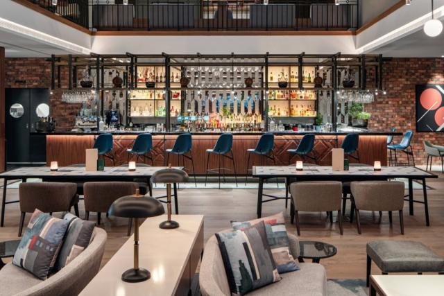 3 Nights 5-Star Prague Marriott wFlights & Breakfast 4 Image