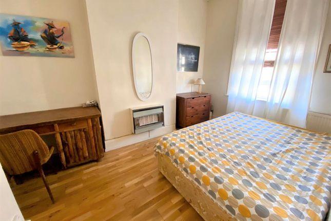 Sweetly 1 bedroom flat 3 Image