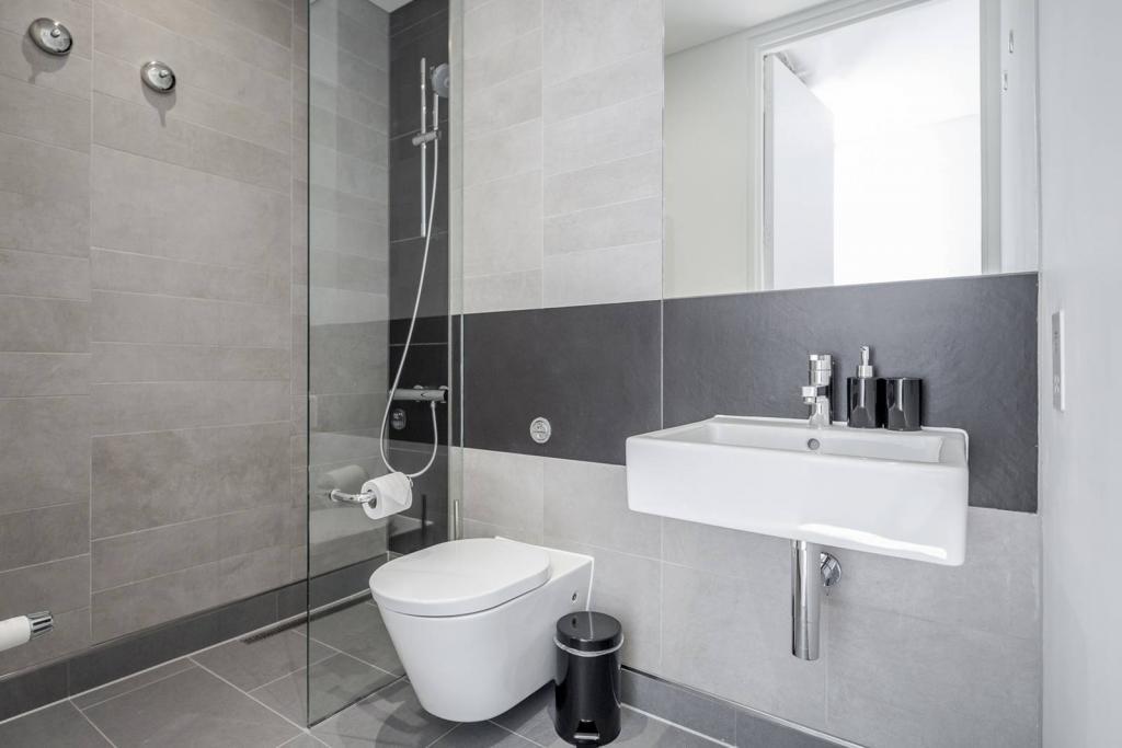 Stunning 1 bedroom flat 5 Image