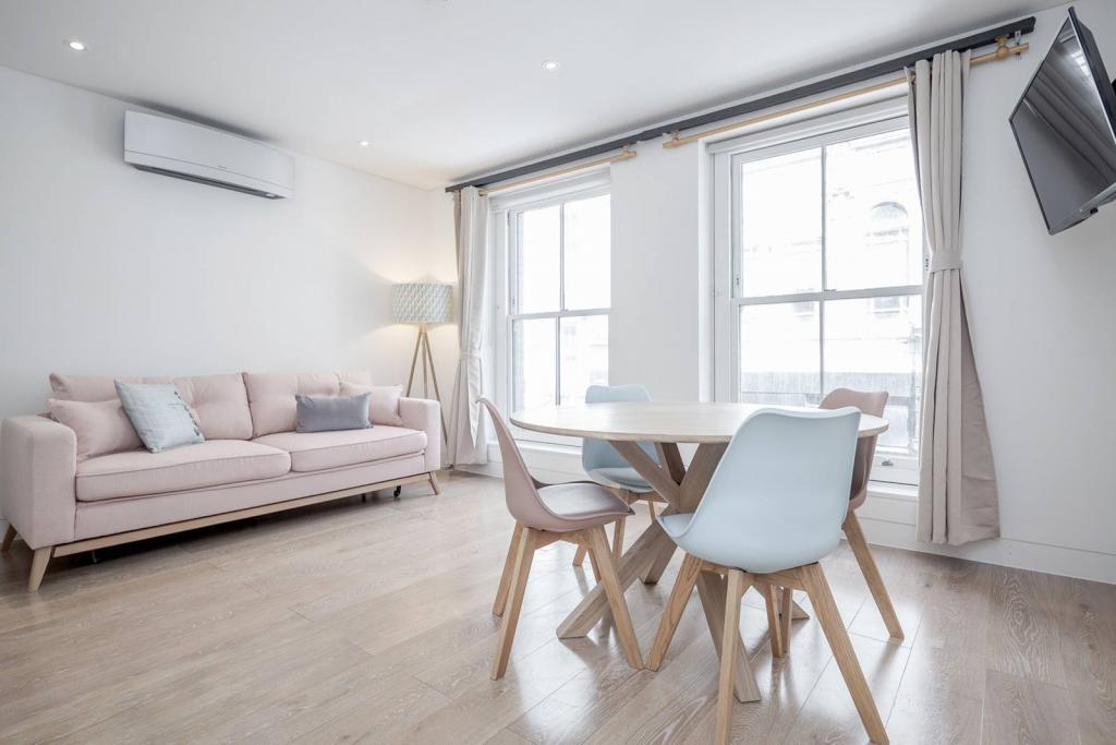 Stunning 1 bedroom flat 3 Image