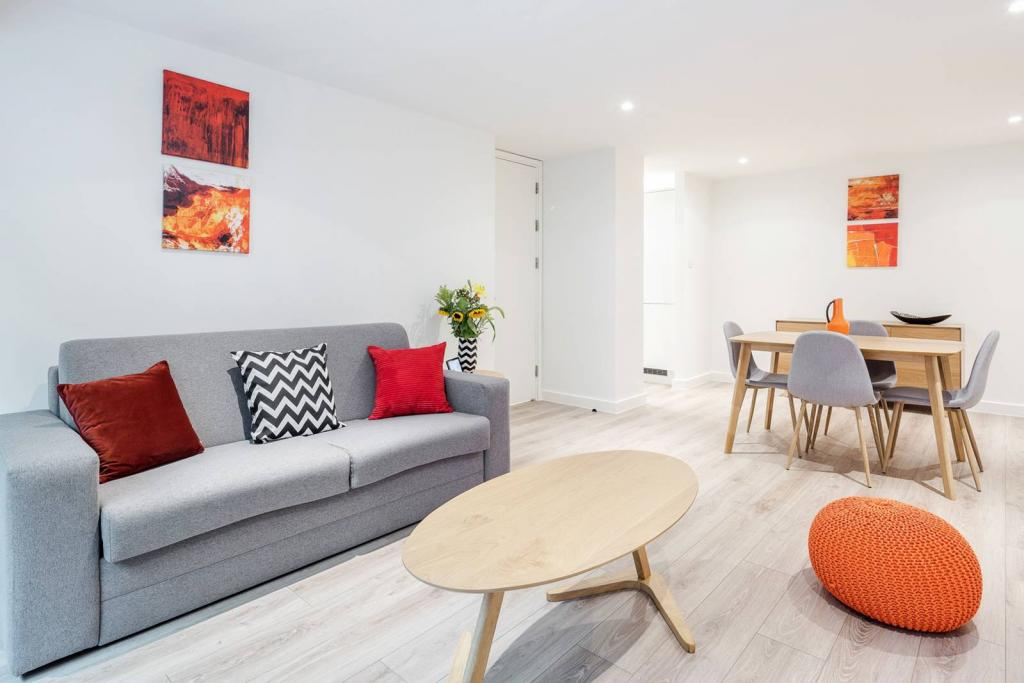 Adequate 1 bedroom flat. 7 Image
