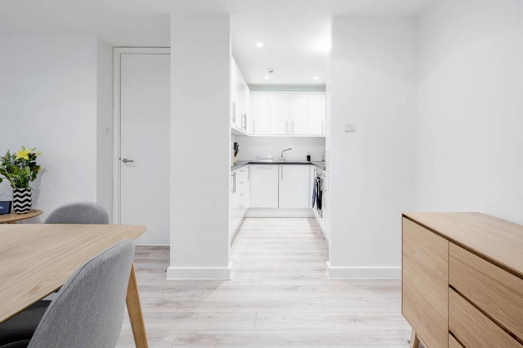Adequate 1 bedroom flat. 6 Image