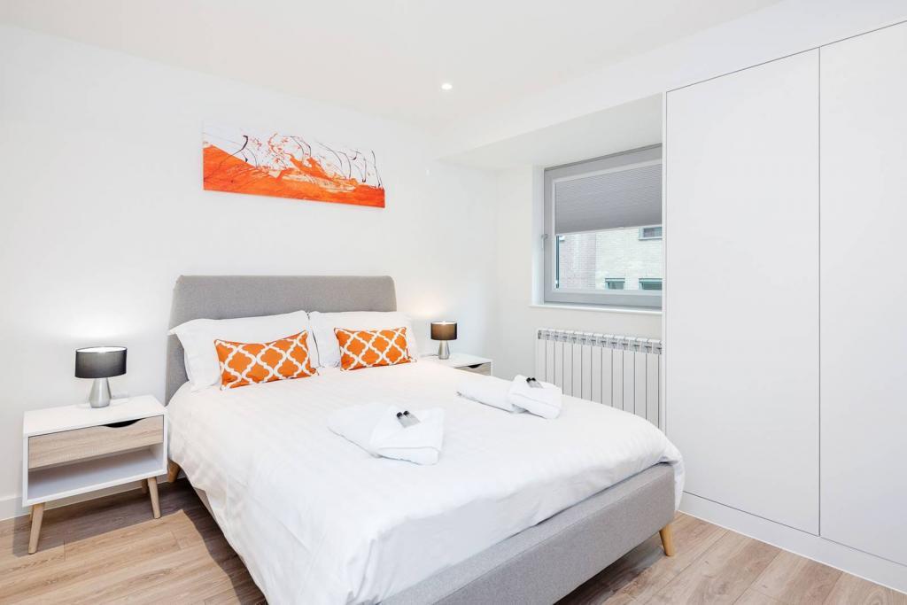 Adequate 1 bedroom flat. 3 Image