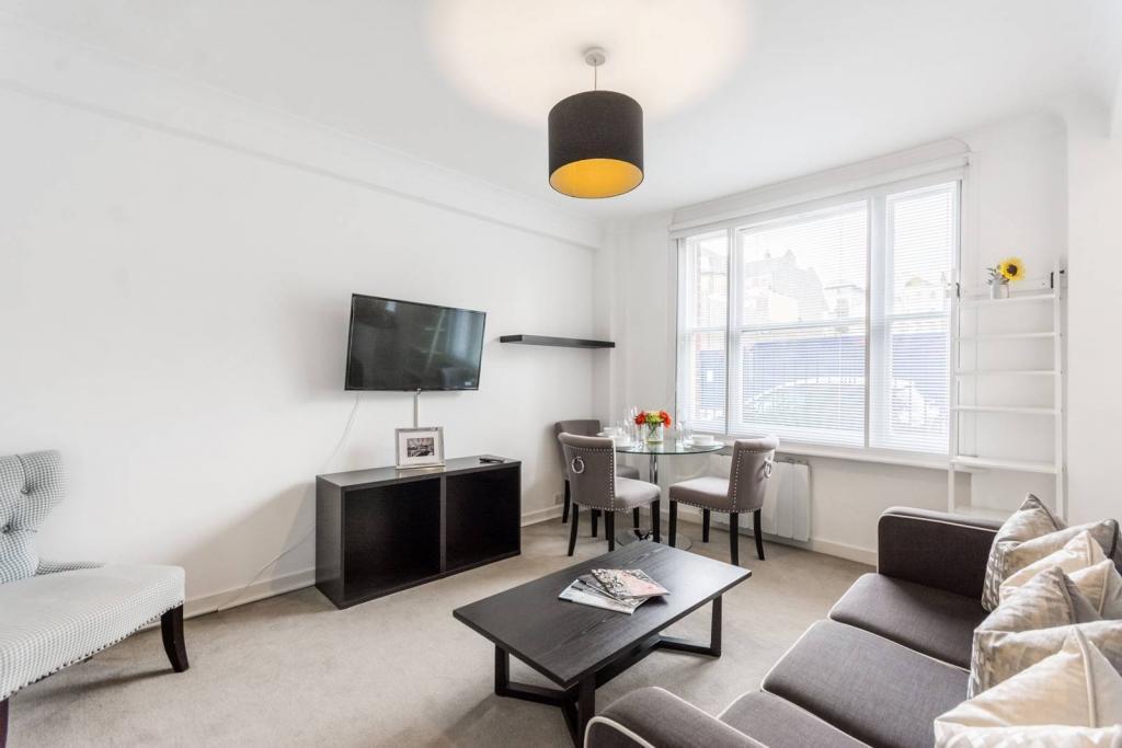 Warmly 1 bedroom flat 3 Image