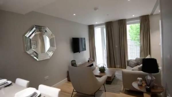 Furnished 1 bedroom flat 5 Image