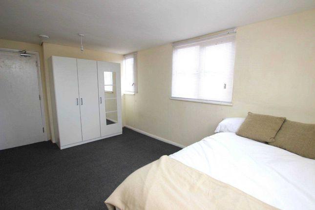 Sweetly 1 bedroom flat to rent 5 Image