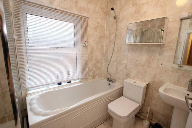 Sweetly 1 bedroom flat to rent 3 Image