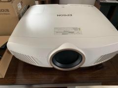 New Epson Home Cinema 5050Ub 4K Pro Projector
