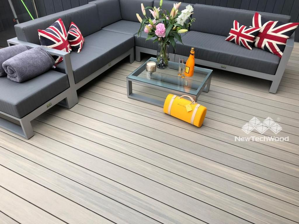Choose Artificial Grass for Your Outdoors UK 9 Image