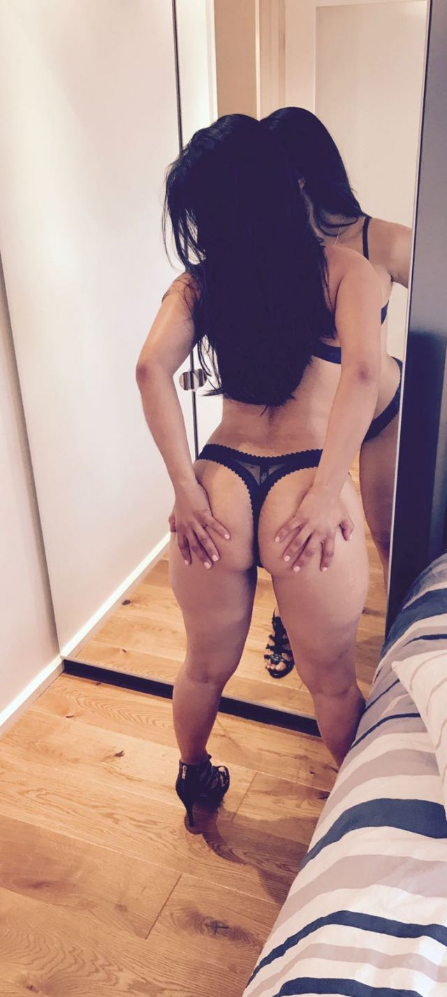 looking for a casual encounter escorts private girls Melbourne