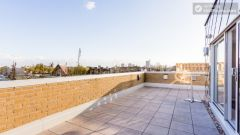 Classic Studio - Colourful Studios with a Roof Terrace in Cool Camden Town
