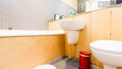 Double Ensuite Bedroom (Room 3) - Bright 5-bedroom house in busy West Brompton