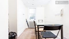 Double Ensuite Bedroom (Room 5) - Bright 5-bedroom house in busy West Brompton
