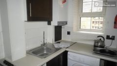 Single Bedroom (Room C) - Pleasant 4-bedroom apartment in residential Poplar