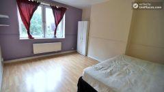 Single Bedroom (Room B) - 4-Bedroom apartment in vibrant Bethnal Green