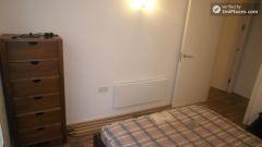 Single Bedroom (Room A) - 3-bedroom apartment near popular Canary Wharf