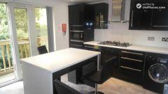 Single Bedroom (Room F) - Modern 7-bedroom apartment in vibrant Poplar