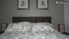 Double Bedroom (Room D) - Huge 6-bedroom house by Millennium Park in Mile End