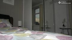 Twin Bedroom (Room E) - Huge 6-bedroom house by Millennium Park in Mile End