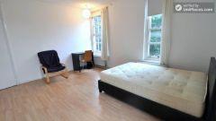 Single Bedroom (Room C) - 4-Bedroom Apartment In
