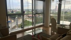 Single Ensuite Bedroom (Room A) - Comfortable 3-bedroom apartment in lively Poplar