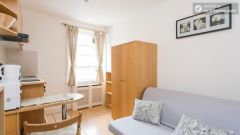 Comfortable studio in great Earl's Court