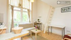 Very nice duplex studio in Earl's Court