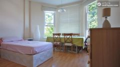 Twin Bedroom (Room A) - 4-bedroom apartment in calm, northern Kilburn