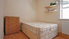 Twin Bedroom (Room A) - 4-bedroom apartment in calm, northern Kilburn