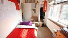 Single Bedroom (Room C) - 5-Bedroom apartment in pleasant Bethnal Green