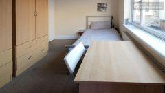 Single Bedroom (Room E) - 5-Bedroom apartment in pleasant Bethnal Green