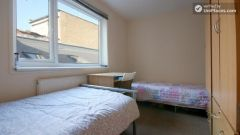 Rooms available - 5-Bedroom apartment in pleasant Bethnal Green