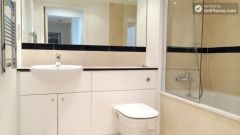 Double Bedroom (Room A) - Bright 3-Bedroom apartment in the Royal Docks