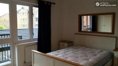 Rooms available - Bright 3-Bedroom apartment near Canary Wharf