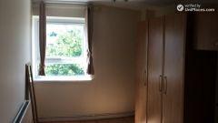 Double Bedroom (Room B) - 4-Bedroom Apartment In