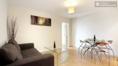 Double Ensuite Bedroom (Room 1) - Superb 3-bedroom apartment in modern Limehouse
